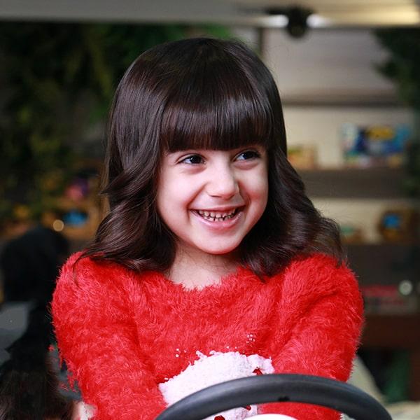 اصلاح موی دختر بچه در آرایشگاه پازل - تهران و کرج